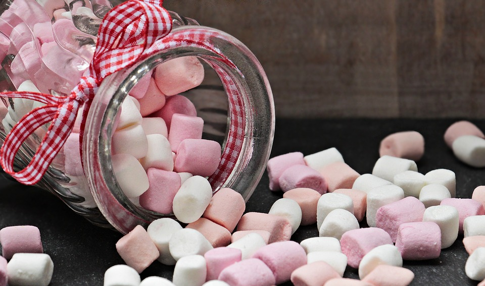 kindertraktaties pot met marshmallows